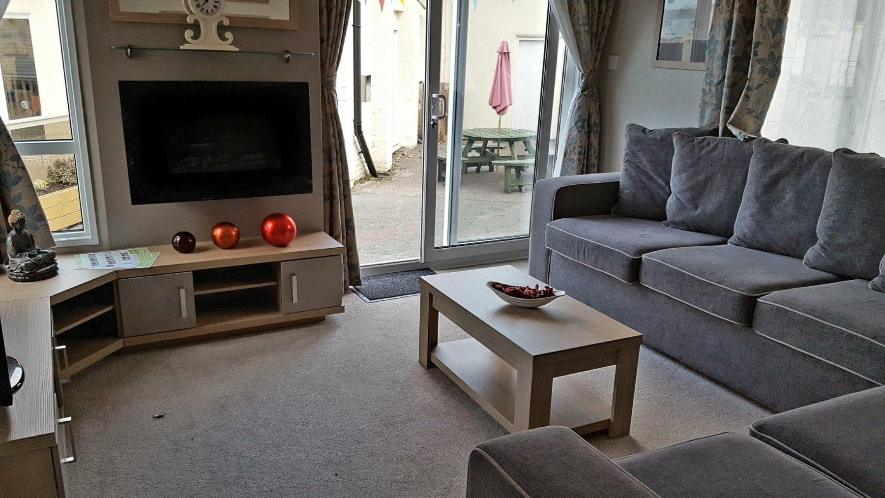 lounge2-e1478777450211